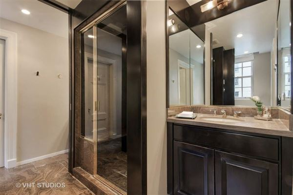 Highly desirable East tier residence luxury homes