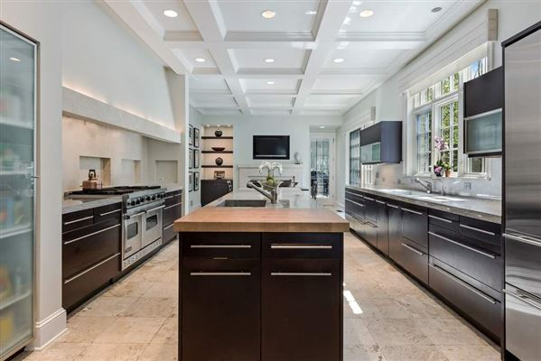 ultra chic East Kenilworth home mansions