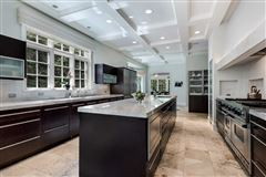 Luxury homes ultra chic East Kenilworth home