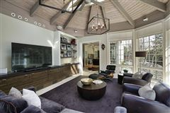 Mansions ultra chic East Kenilworth home