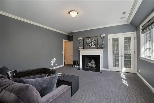 ultra chic East Kenilworth home luxury properties