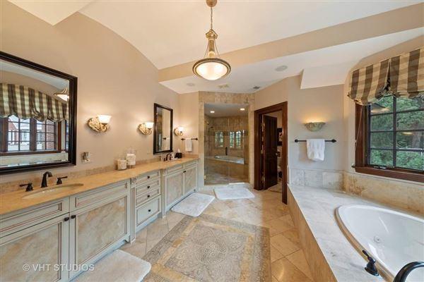 Libertyvilles most spectacular location luxury properties