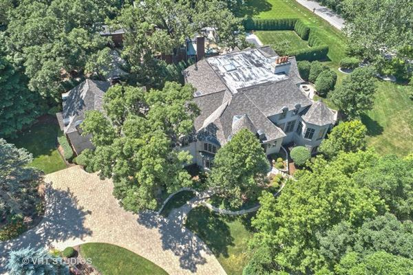Luxury real estate Libertyvilles most spectacular location