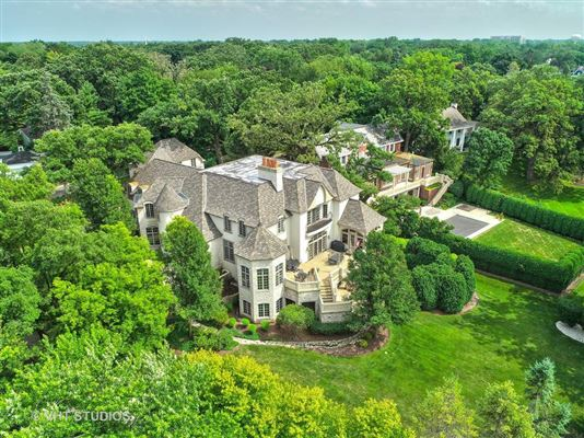 Mansions Libertyvilles most spectacular location