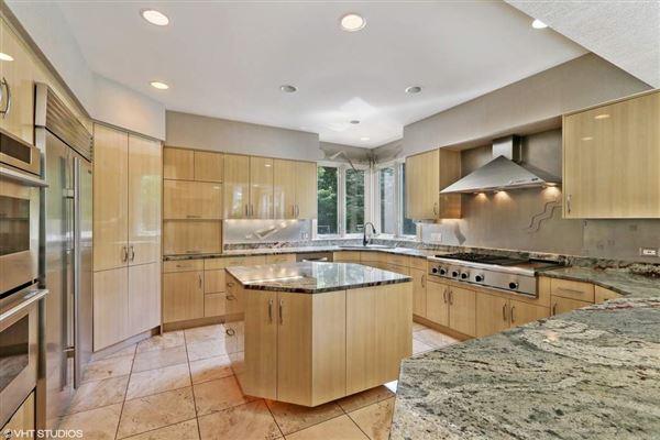 STUNNING Custom Home luxury properties