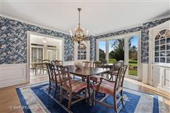 Luxury homes Stunning property on Winnetka Golf Course