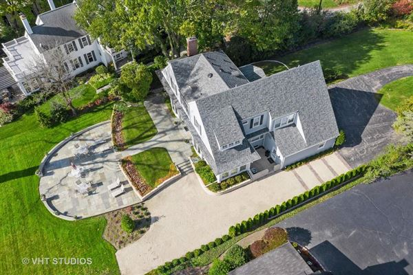 Mansions in Stunning property on Winnetka Golf Course
