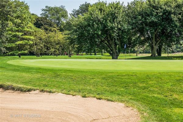 Luxury homes in Stunning property on Winnetka Golf Course