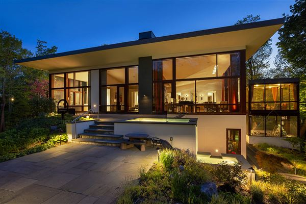 Magnificent custom built contemporary home luxury homes