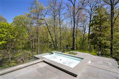 Luxury real estate Magnificent custom built contemporary home