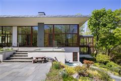 Luxury properties Magnificent custom built contemporary home