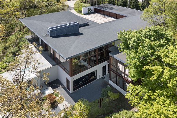 Mansions Magnificent custom built contemporary home