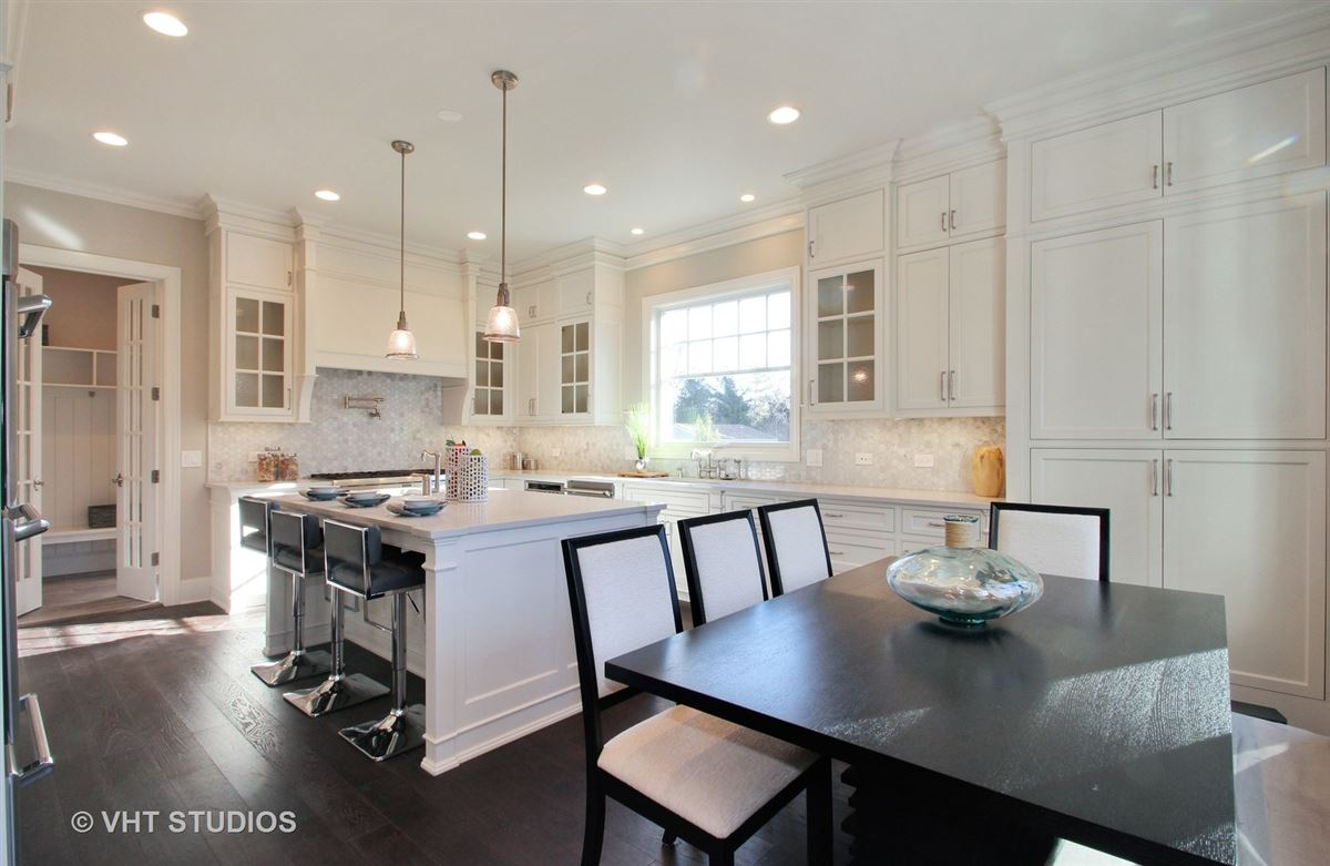 Luxury new construction in The Village of Golf luxury homes