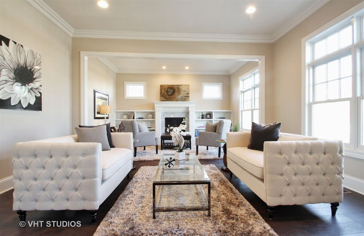 Mansions Luxury new construction in The Village of Golf