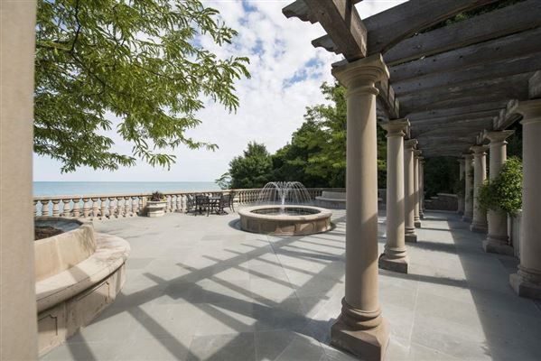 Mansions in magnificent estate overlooking Lake Michigan