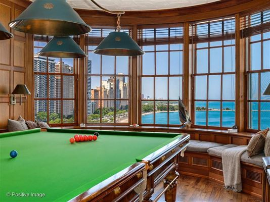 Luxury real estate unbelievable penthouse in premier luxury Lake Shore building