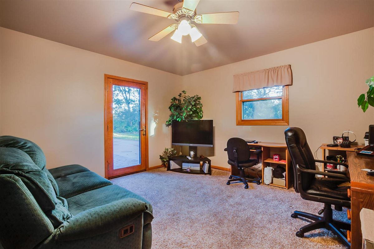 custom log cabin home luxury real estate