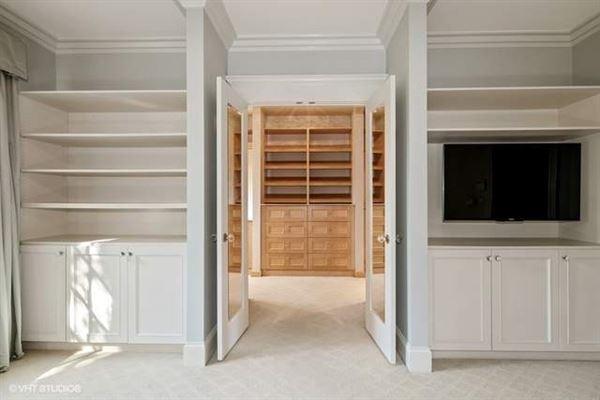 Luxury properties extraordinary oversized residence