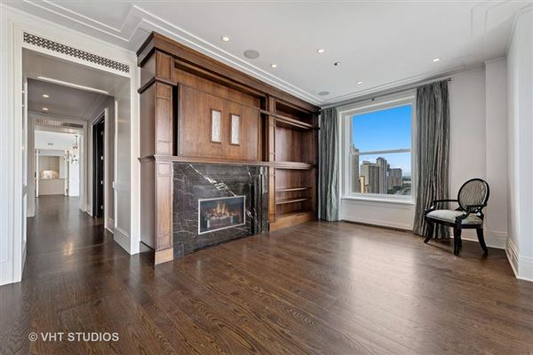 Luxury properties Lives like a Single Family