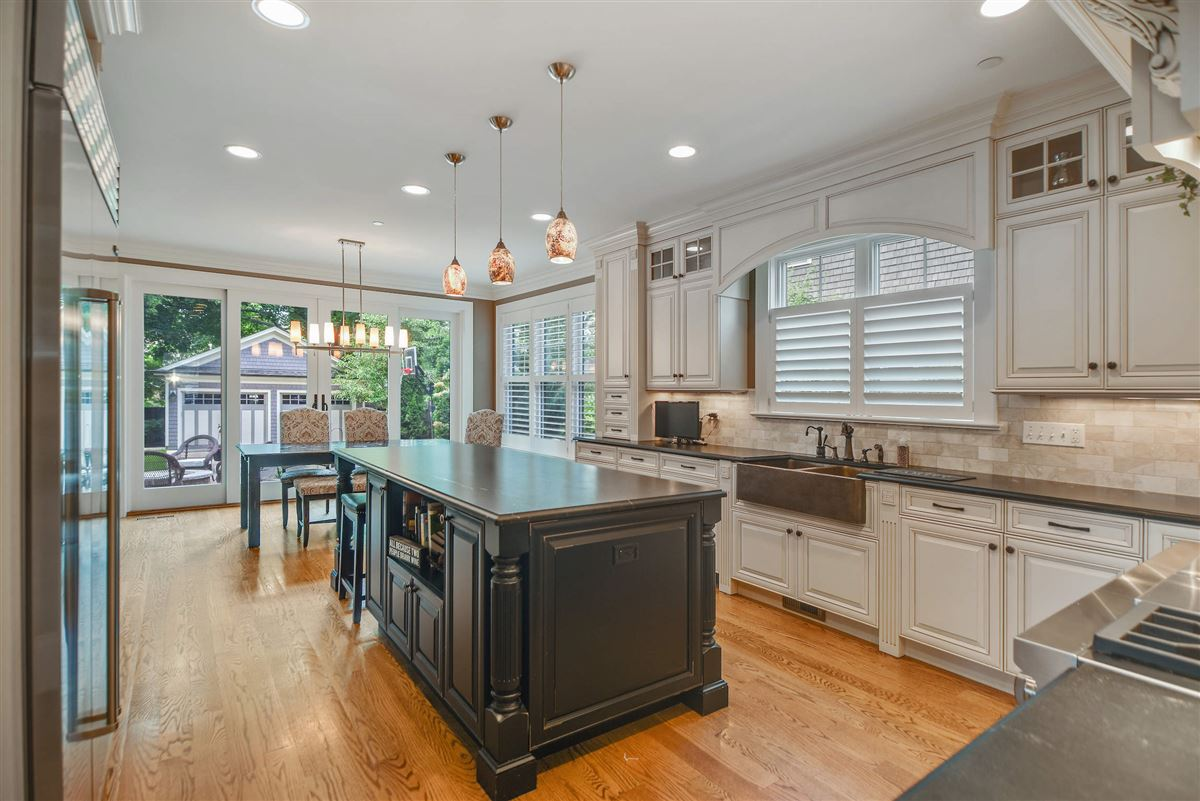 true oasis in the heart of Libertyville luxury homes