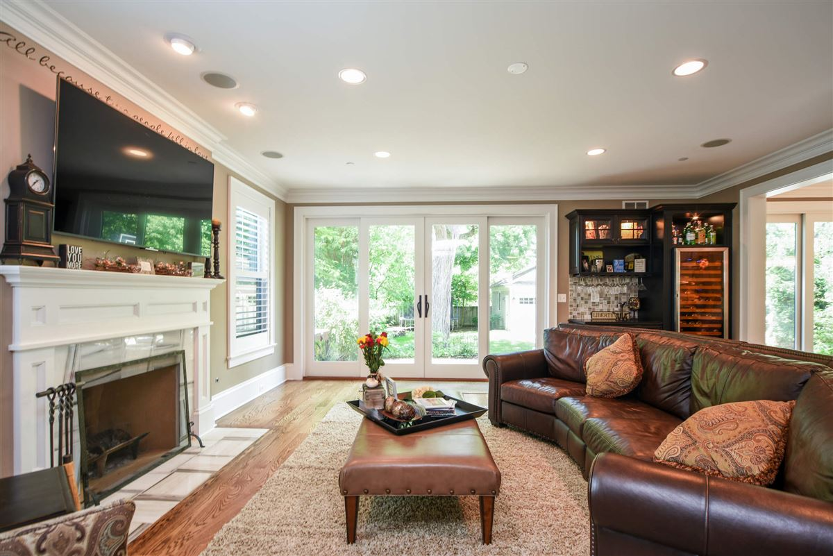 Luxury real estate true oasis in the heart of Libertyville
