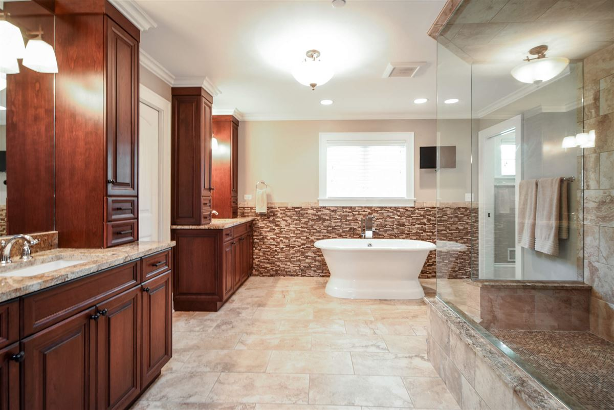 Mansions true oasis in the heart of Libertyville