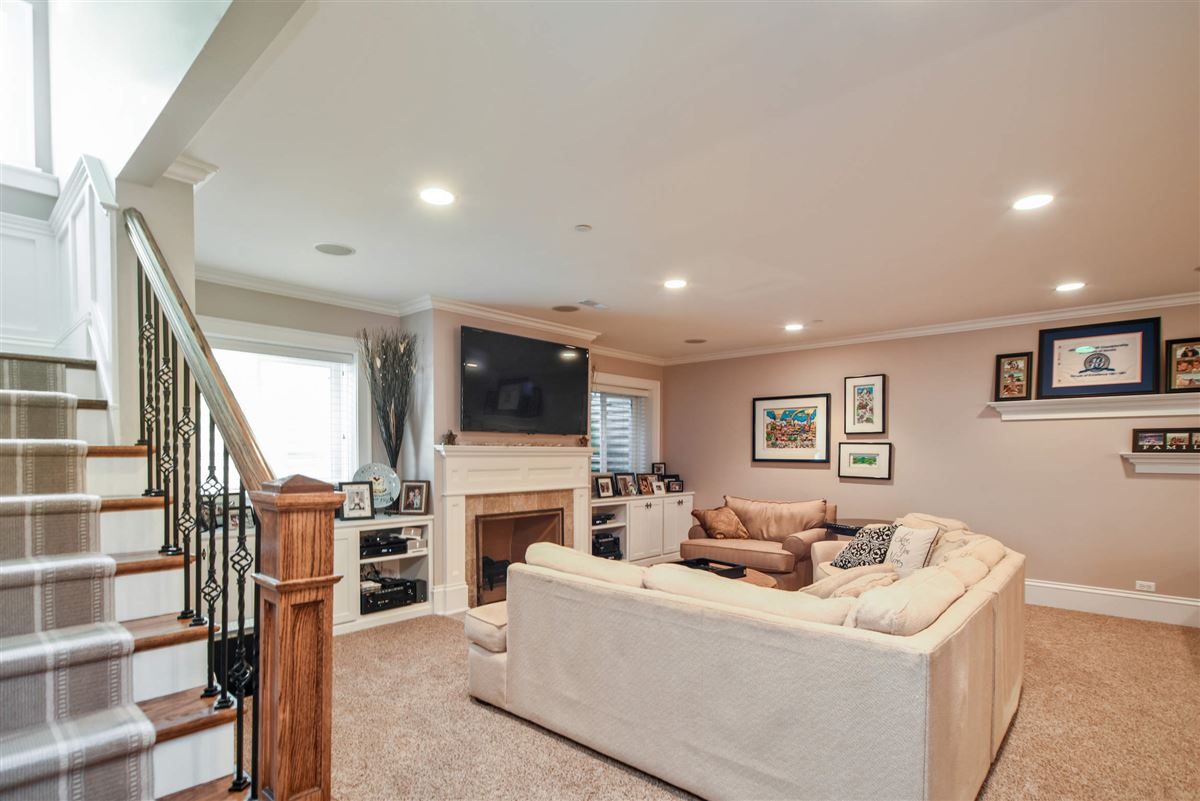 Luxury homes true oasis in the heart of Libertyville