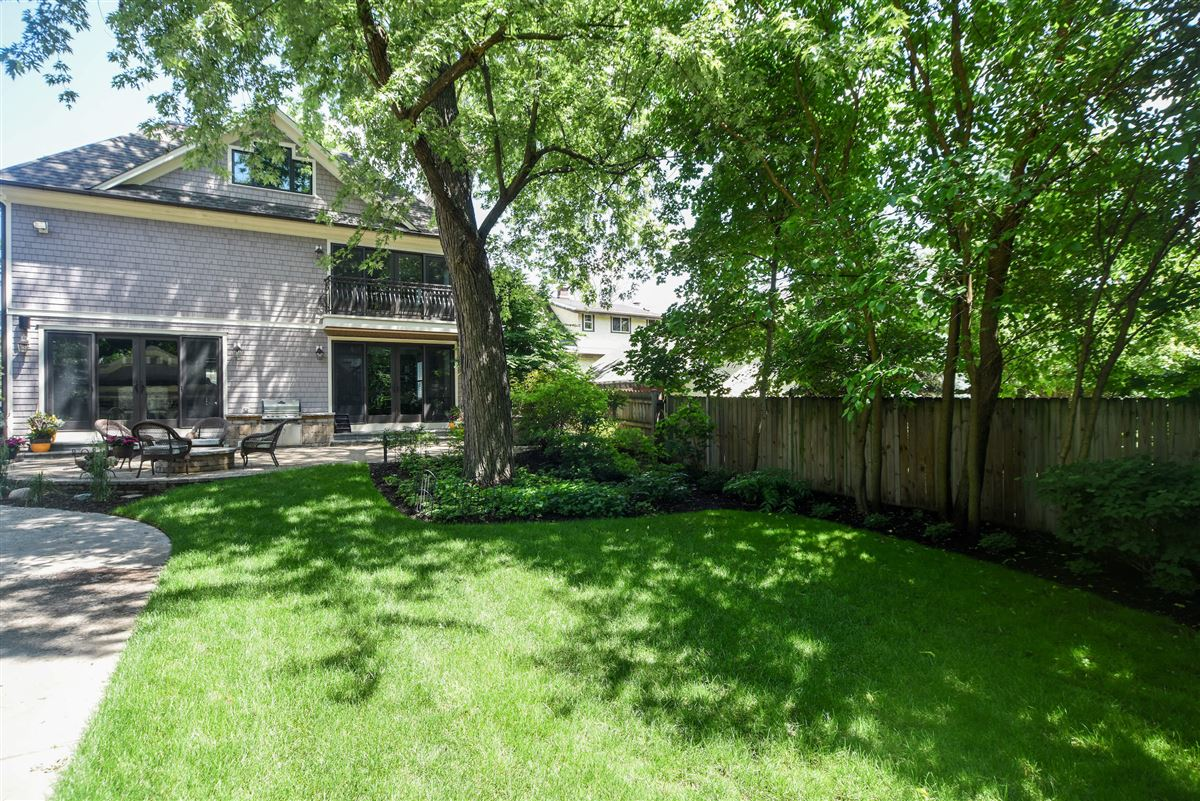 true oasis in the heart of Libertyville luxury real estate