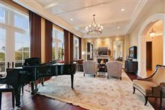 Mansions Elegant Estate in prestigious Barrington Hills