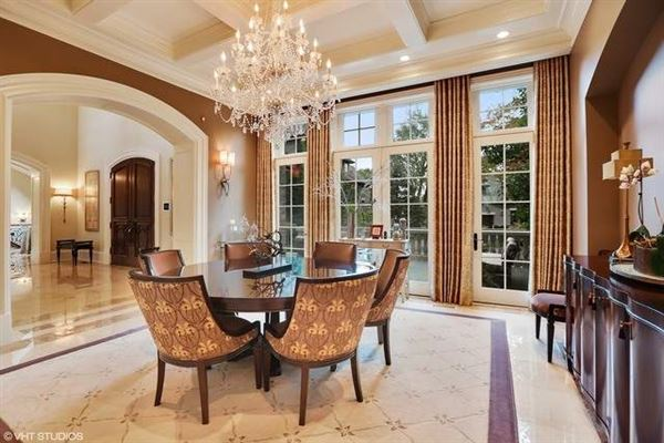 Elegant Estate in prestigious Barrington Hills luxury homes
