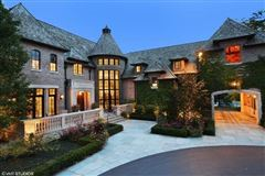 Elegant Estate in prestigious Barrington Hills mansions