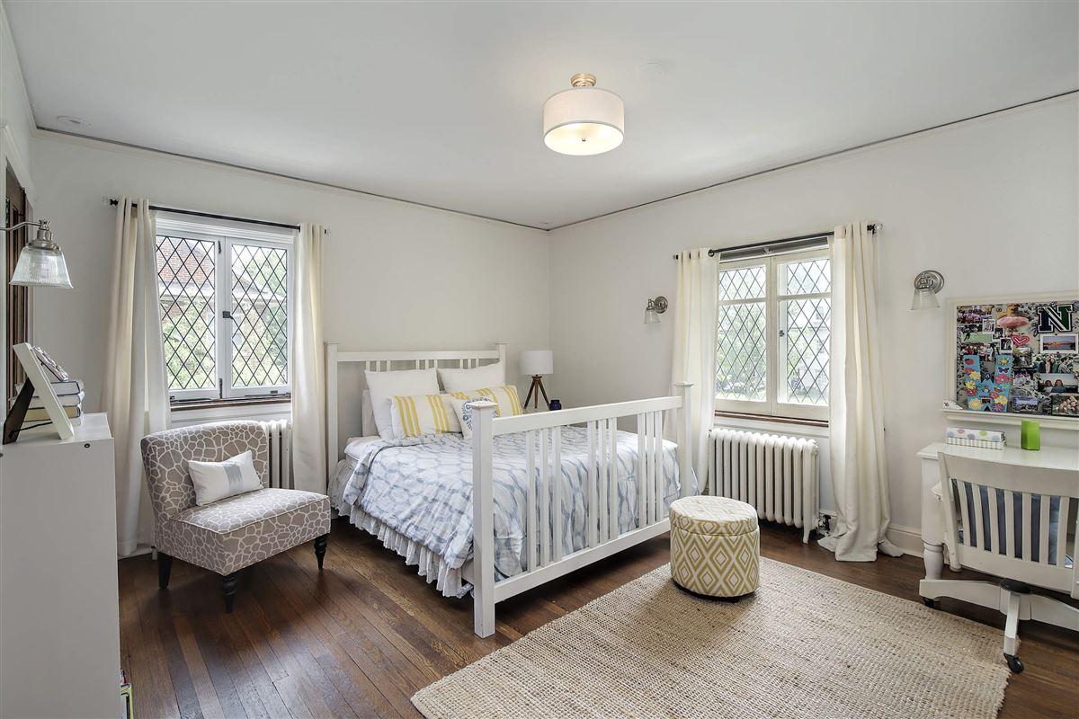 Mansions extraordinary Tudor