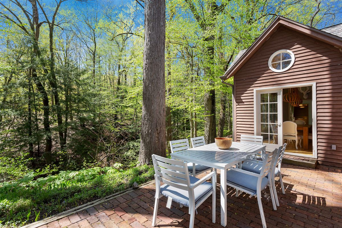 Spectacular cottage offers TOTAL privacy luxury real estate
