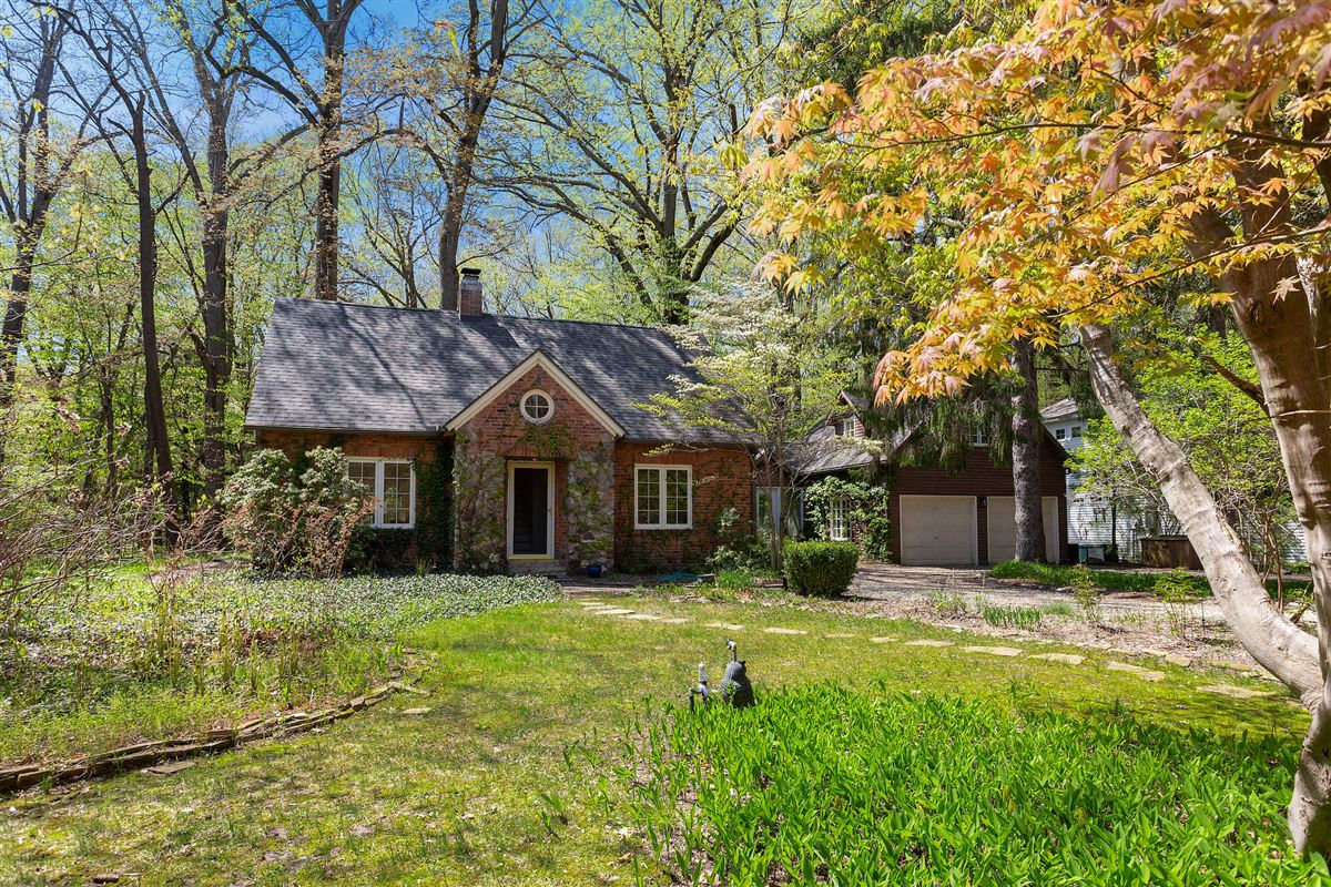 Spectacular cottage offers TOTAL privacy luxury properties