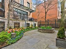 outstanding home and coach house  in east lincoln park luxury real estate