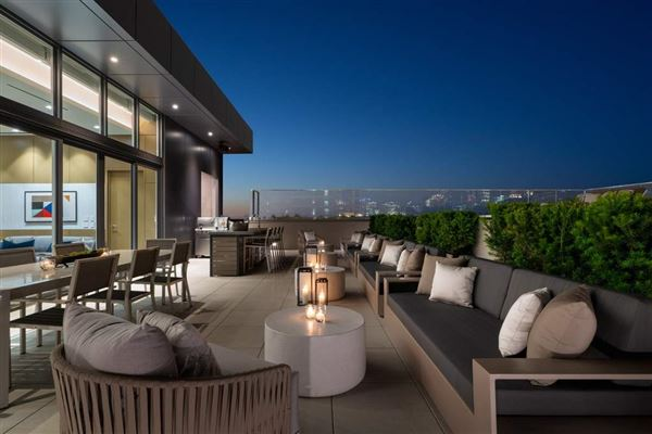 Luxury homes The Penthouse Presented by LEVEL