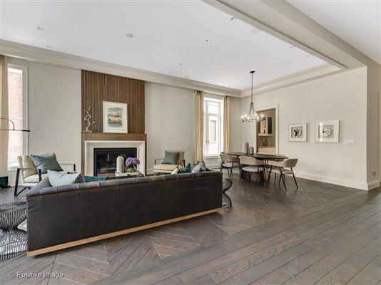 Luxury real estate gold coast mansion on prestigious Astor Street