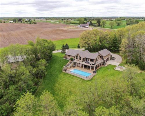 Luxury homes beautiful home on 24 acres