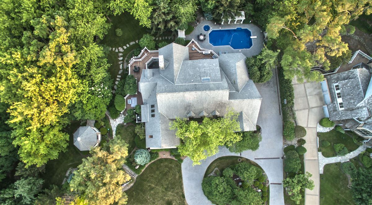 Stone and cedar Cape Cod home mansions