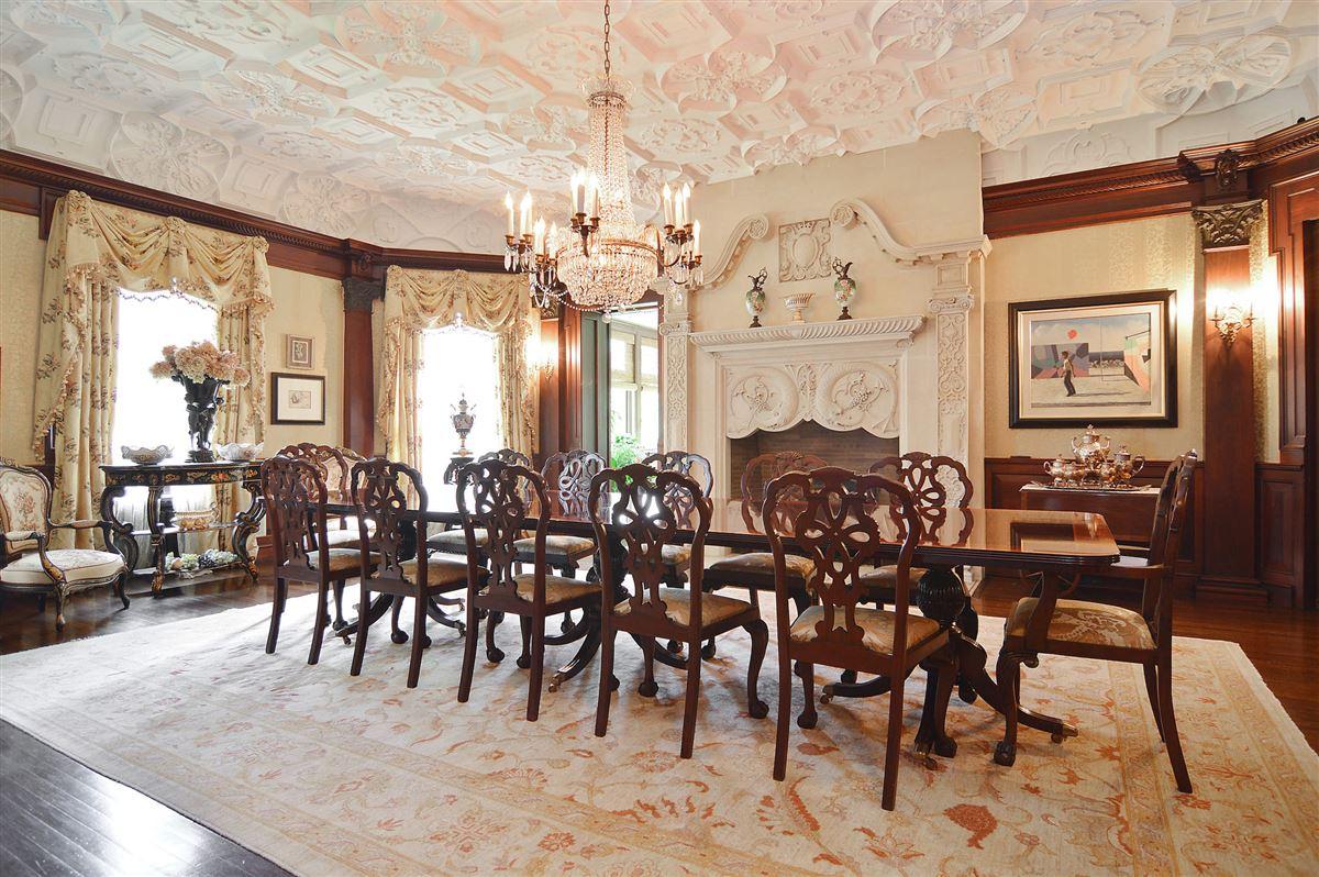 Luxury homes The Goodman Mansion