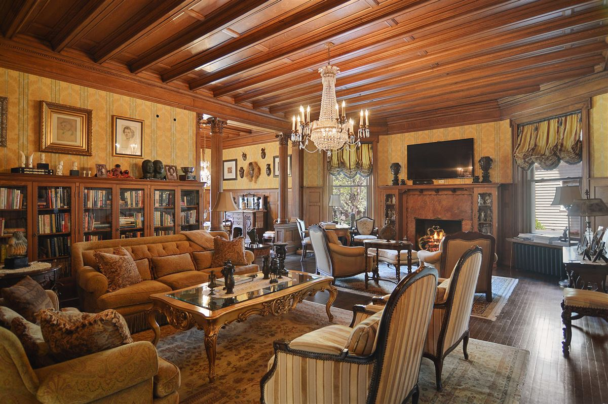 Luxury homes in The Goodman Mansion