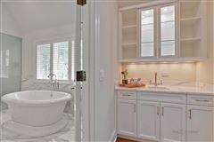 WELCOME HOME TO EAST GLENCOE luxury properties
