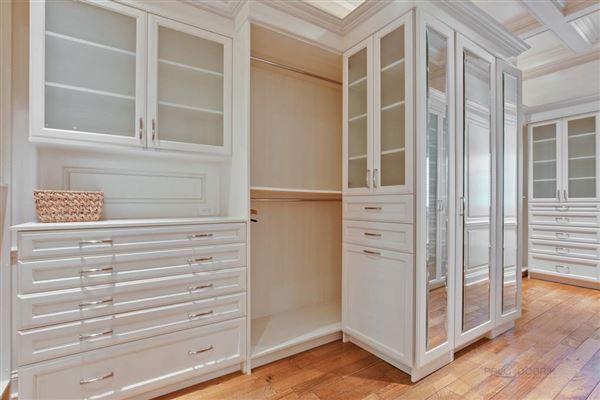 Luxury properties WELCOME HOME TO EAST GLENCOE