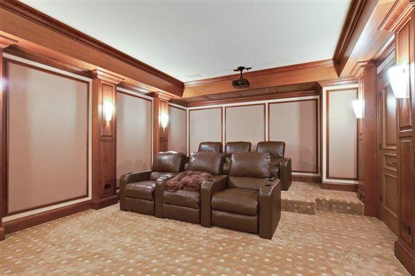 Luxury homes WELCOME HOME TO EAST GLENCOE
