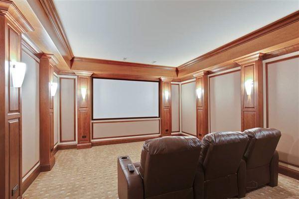 WELCOME HOME TO EAST GLENCOE luxury homes