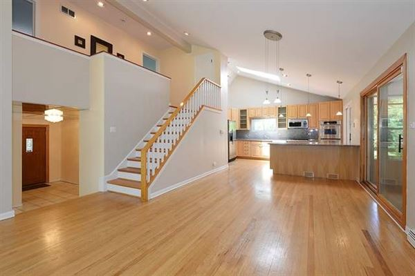Luxury homes four bedroom rental home on a beautiful deep lot