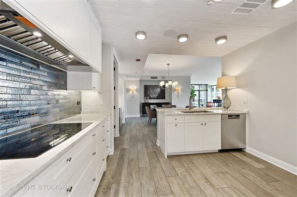 Luxury real estate Absolutely stunning unit at The Pinnacle