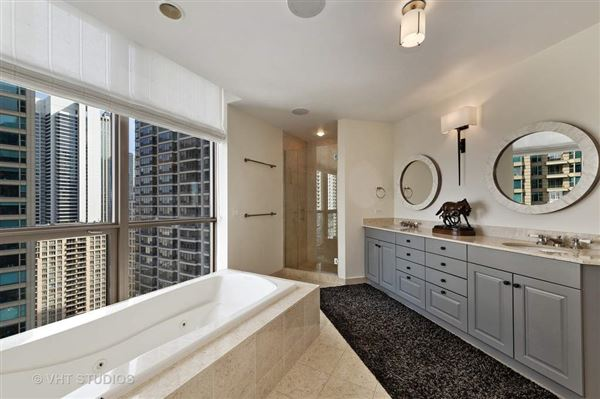 Absolutely stunning unit at The Pinnacle luxury real estate