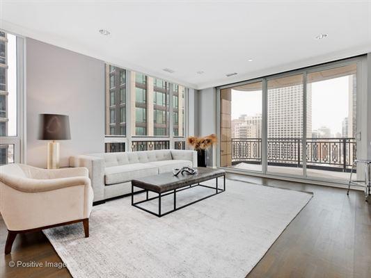Luxury homes unbeatable city views