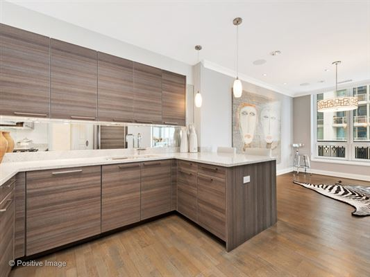 Luxury homes in unbeatable city views